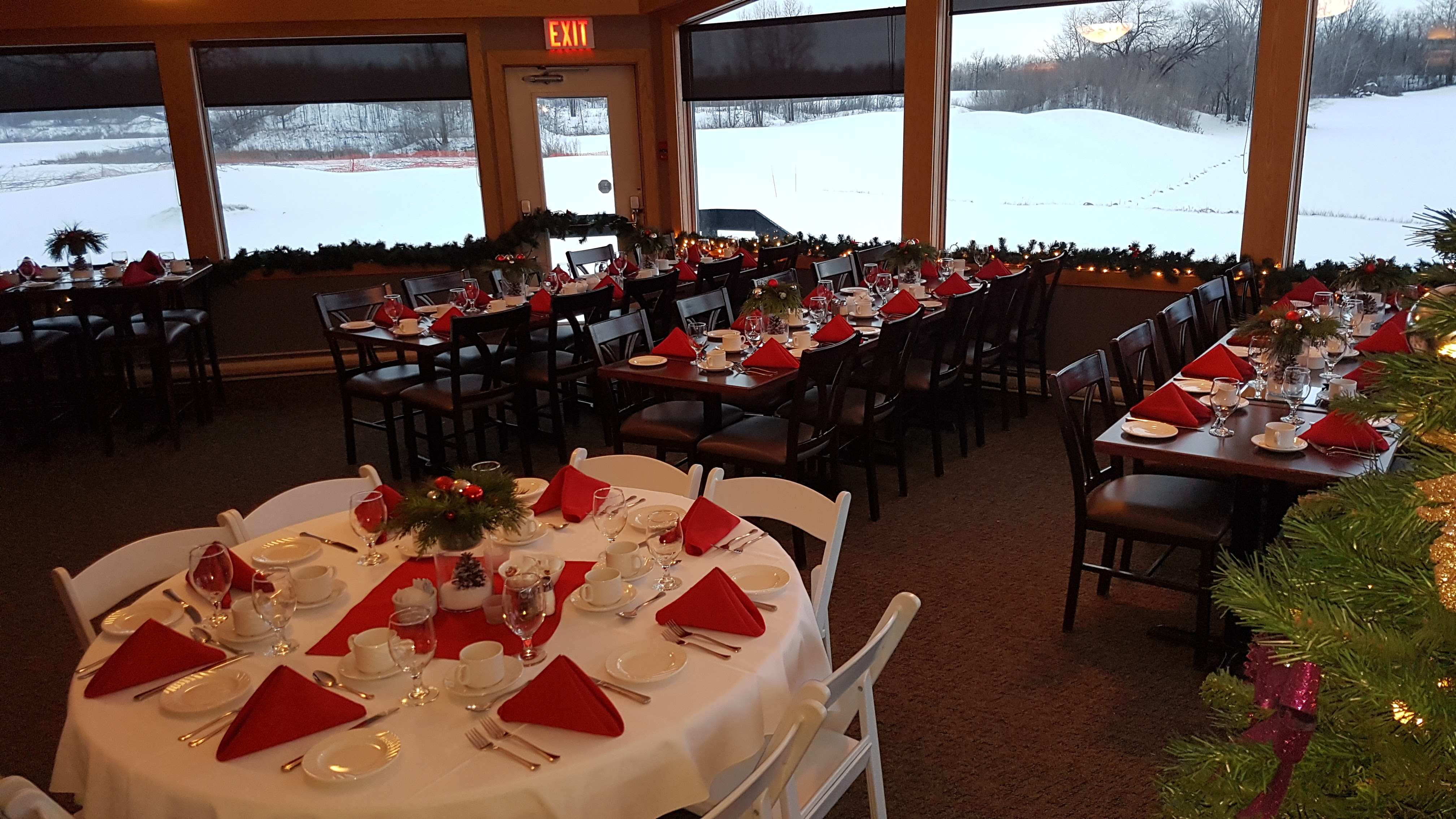 Christmas In The Oaks 2019.Holiday Banquet Bookings Available Quarry Oaks